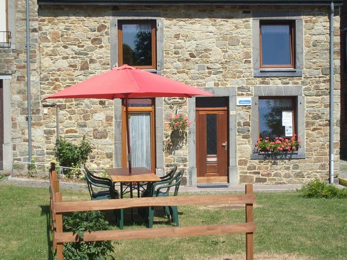 Location vacances Hargnies -  Maison - 6 personnes - Barbecue - Photo N° 1