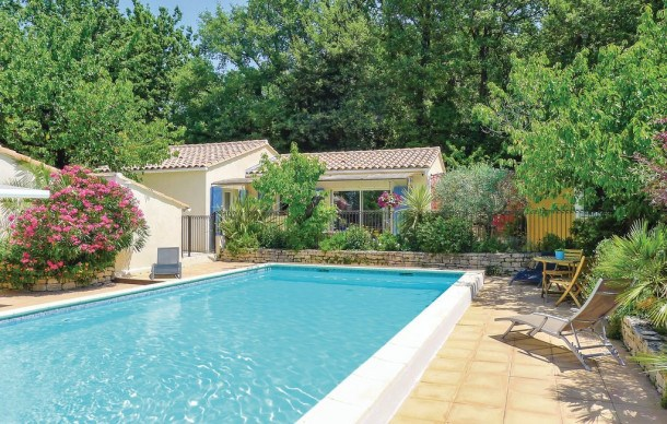 Location vacances Eyragues -  Maison - 4 personnes - Barbecue - Photo N° 1