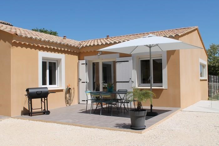 Location vacances Saint-Julien-de-Peyrolas -  Maison - 4 personnes - Barbecue - Photo N° 1