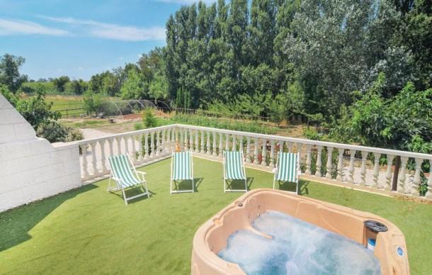 Location vacances Arles -  Maison - 6 personnes - Jardin - Photo N° 1