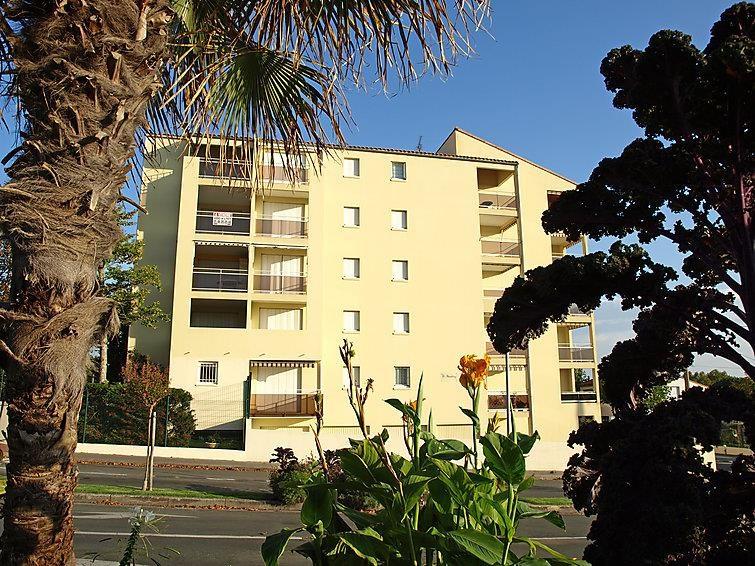 Location vacances Royan -  Appartement - 6 personnes - Salon de jardin - Photo N° 1