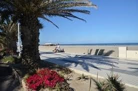 Location vacances Canet-en-Roussillon -  Appartement - 4 personnes - Salon de jardin - Photo N° 1
