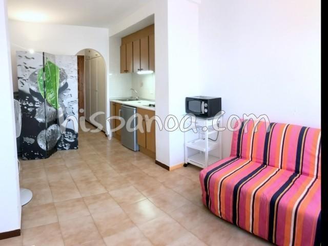 Ferienwohnungen Rosas - Wohnung - 4 Personen - Gartenmöbel - Foto Nr. 1
