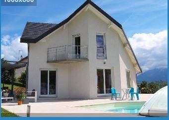 Vue coté piscine et terrasse sud