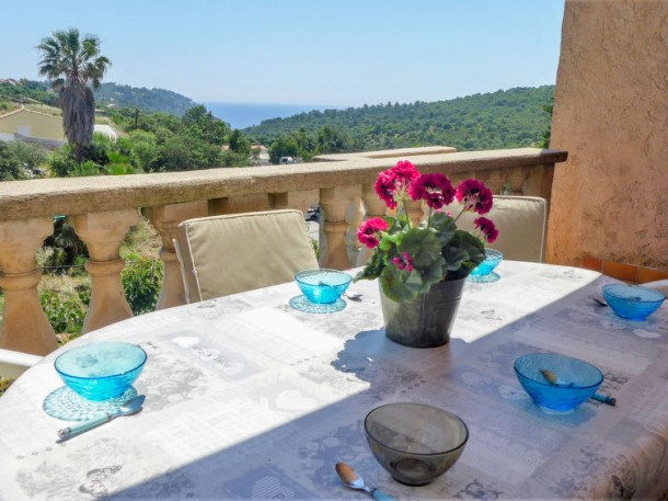 Location vacances Cavalaire-sur-Mer -  Appartement - 6 personnes - Barbecue - Photo N° 1