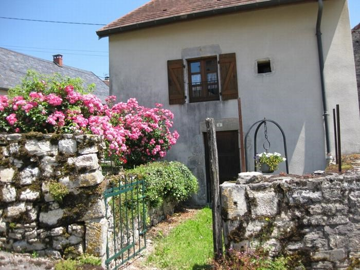 Holiday rentals La Tour-du-Meix - Cottage - 5 persons - BBQ - Photo N° 1