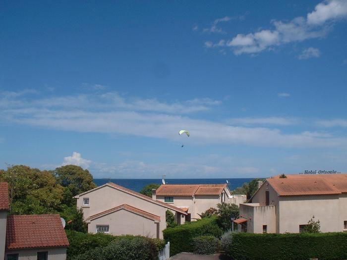 Location vacances Cervione -  Appartement - 4 personnes - Court de tennis - Photo N° 1