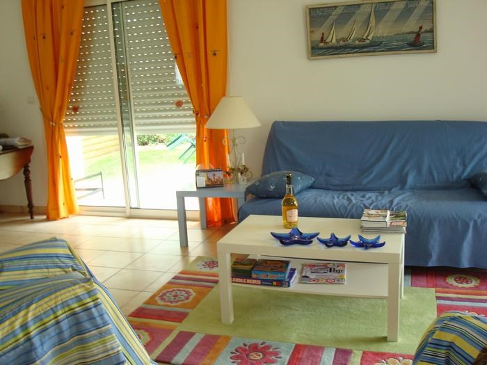 Maison  pour 6 personne(s)  situé dans un village de 850 habitants ,proche de la mer , d'un lac  et de la forêt landaise
