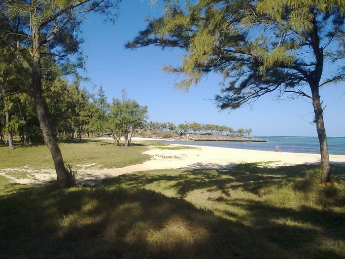 la plage de sables fins située à Gravier