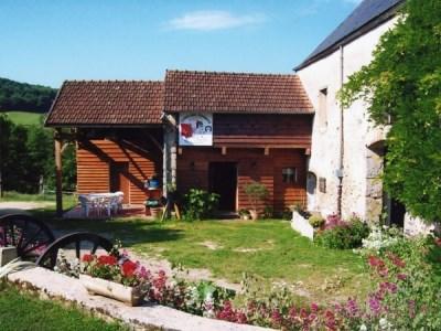 Location vacances Quarré-les-Tombes -  Gite - 20 personnes - Barbecue - Photo N° 1