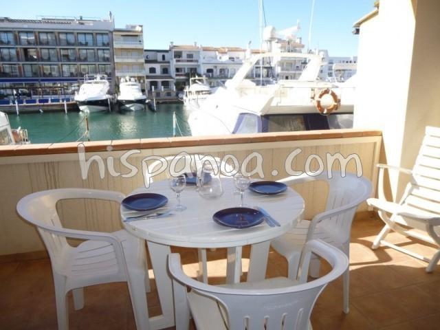 Location vacances Castelló d'Empúries -  Appartement - 4 personnes - Salon de jardin - Photo N° 1