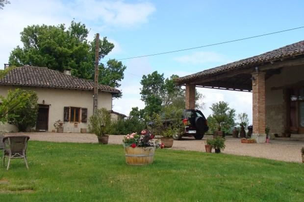 Gîtes familiale 9/10  personnes avec piscine en Quercy blanc proche département du Lot - Montalzat