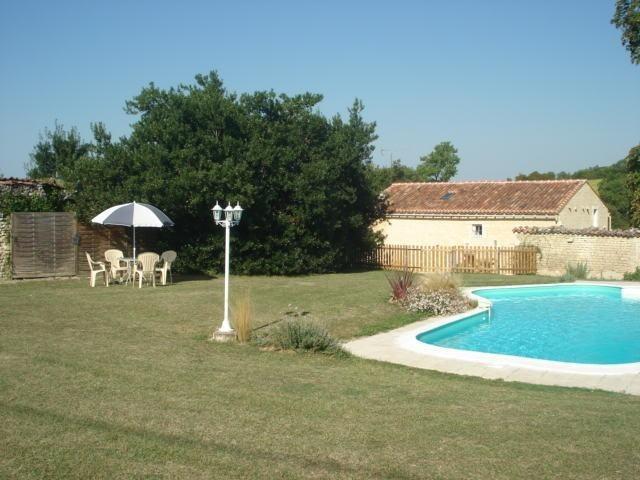 pour 6 pers. avec piscine privée, Neuvicq-le-Château