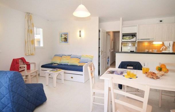 Location vacances Six-Fours-les-Plages -  Appartement - 2 personnes - Congélateur - Photo N° 1