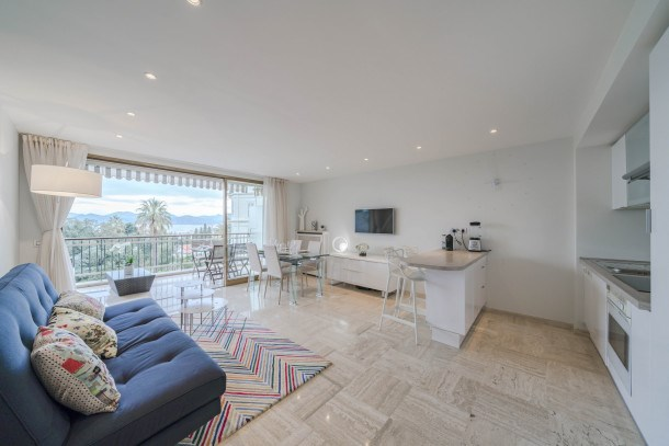 Wonderful 2 bedrooms with sea view and pool