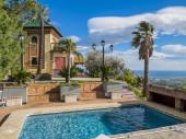 Proche Malaga Grande maison vue sur la mer, piscine privee, 3 Chambres, salon  cuisine 2 S.D.B  Terrain de Tennis wifi