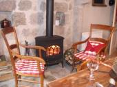 Gîte Sous le Poirier à Estivareilles (Route de la Chapelle) - à 40 Km de St-etienne