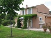 Chez Marcel, petite maison typiquement provençale, avec 2.5 ha clos autour.