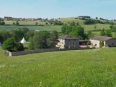 4 Gîtes aux portes du beaujolais vert, dans un cadre naturel exceptionnel à Saint-Victor-sur-Rhins