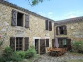A 15 km de Cordes, maison en pierres sur 2 niveaux, avec terrain de 5 000 m².