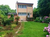 Gîte Chez « mémé » à Signy-le-Petit - à 45 km de Charleville-Mézières. Maison indépendante sur terrain 600 m² (balançoire).