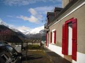 Belle maison tout confort avec superbe vue sur les montagnes et la vallée, exposée plein sud avec terrasse de 200m2