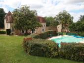 Gîte grande capacité avec Piscine , limite Dordogne