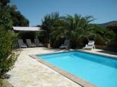Villa DP Porto - Belle villa individuelle implantée sur un terrain partiellement clôturé d'environ 1500 m², fleuri et bien entretenu.