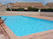 pavillon avec piscine et terrasse