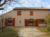 Location maison individuelle de campagne pour 6 personnes  en  Aveyron; maison calme reposante et agréable