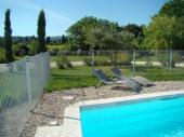 Villas climatisées avec piscines privatives à Vallon-Pont-d'Arc (2 chambres, wifi, super quartier à 200 m du centre)