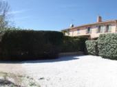 Au pied du village pittoresque de La Cadière, à 2 km des plages, gîte agréable bien aménagé et sans vis-à-vis sur une propriété de 8000 m² en campagne.