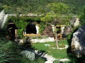 Louer de luxe dans un endroit calme avec un étang  piscine  naturelle