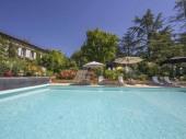 Maison Bourgeoise incl Gîte indépendant parc  grand piscine idéal 2 ou 3 familles.