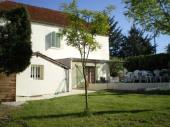 Maison pour 10 personnes au centre du Lot et des sites de visites