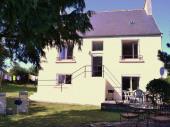 Nous louons notre maison familiale dans un hameau calme dans le Finistère Sud (Cap Sizun-Pointe du Raz).