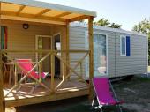 mobile home avec terrasse  dans camping avec piscine intérieure, à 900 m de la plage et 200 m des commerces