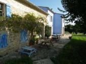 Mas provençal pittoresque au milieu des vignes piscine au calme avec piscine
