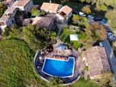 Ancienne ferme avec piscine artistiquement réhabilitée, pour 2 à 28 personnes. Au pied des Pyrénées espagnoles CASA BUIL