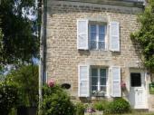 Gîte La Beuquette à Jandun - à 20 Km de Charleville-Mézières Maison semi-mitoyenne à la maison du propriétaire dans petit village.