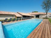 Grand gîte de charme avec piscine privée au calme