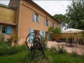 Au cœur du triangle d'or Albi, Cordes sur Ciel et Gaillac, maison, le Chai Boissel vous offre un espace de calme et repos au pied des coteaux viticoles du Gaillacois.