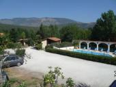 Chalets dans petit village de gites avec piscine