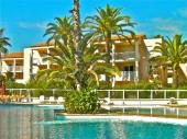 Juan-les-Pins : très calme 2 pièces proche de tout à pied, avec piscine et plages de sable à 250 m !