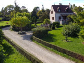 maison-piscine campagne : 10 km de Montcuq département du Lot.