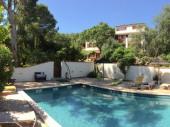 appartements tout confort avec piscine dans un parc arboré au Mas St Laurent