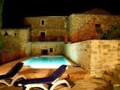 Bâtisse ancienne située en Drôme Provençale