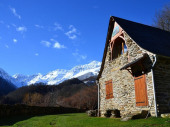 Grange traditionnelle transformée en chalet à Bonac Irazein