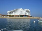 T2 résidence Haut de Gamme, terrasse 30 m2  vue Bassin, classé 4 étoiles préf de la Gironde, parking sécurisé .