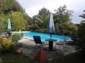 Belle Maison dans un Domaine 15 000m² clos, arboré et fleuri, sans vis à vis, avec grande piscine à débordement